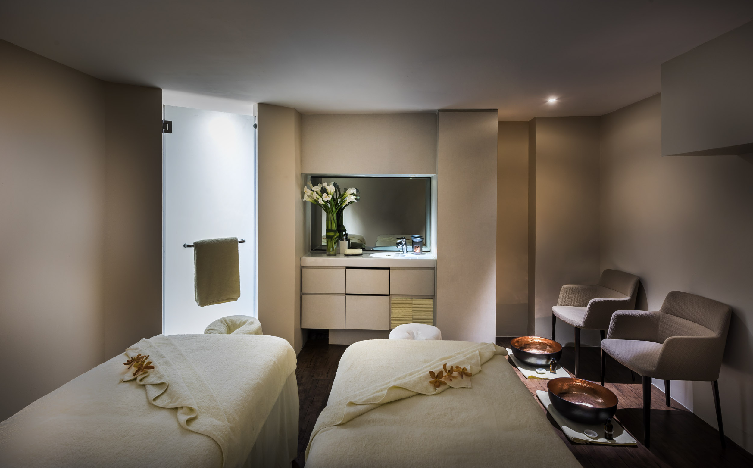 the-fullerton-spa-couples-treatment-room