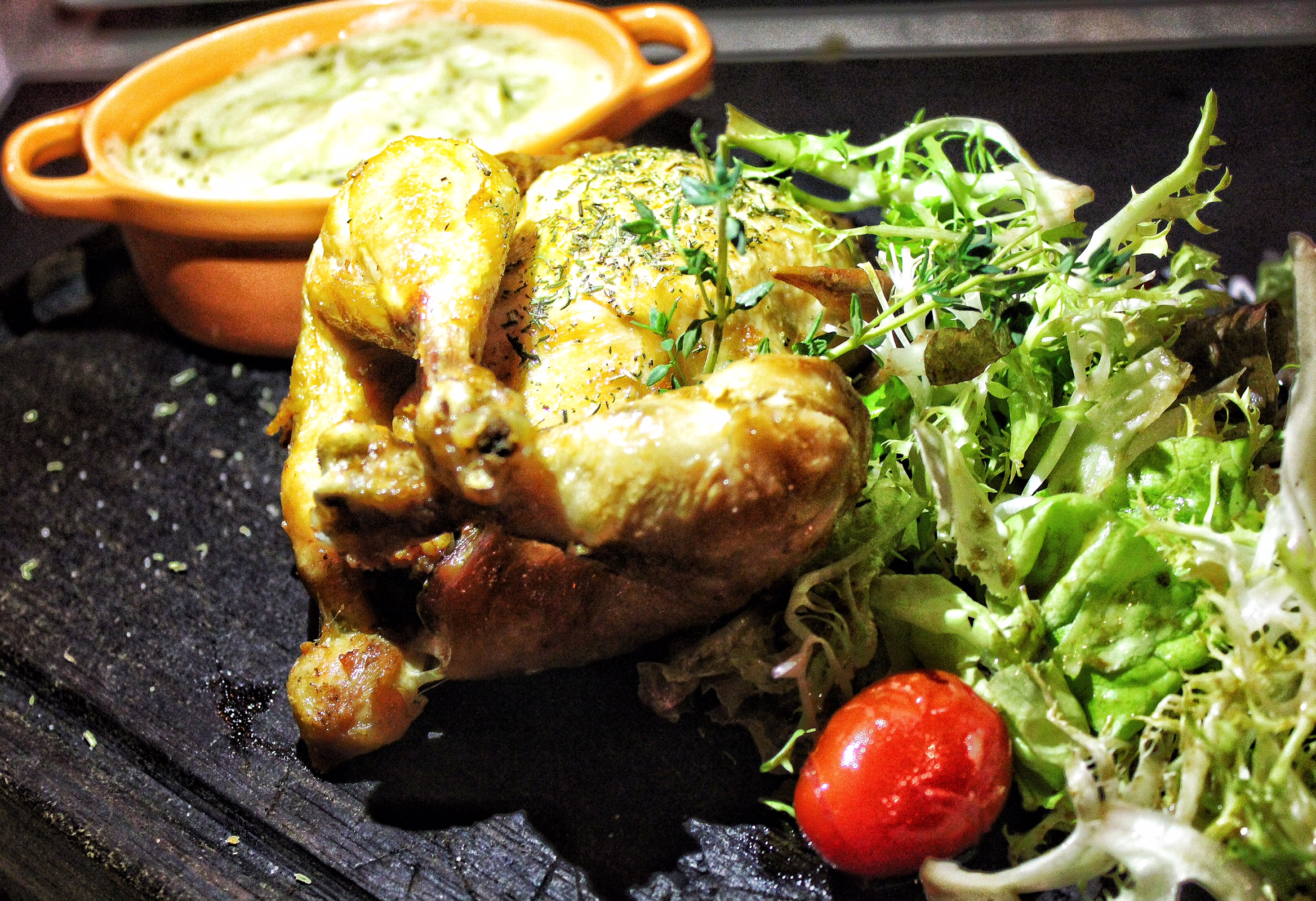 scarlett-cafe-wine-bar-hong-kong-chicken