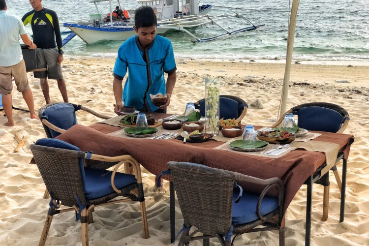 PRIVATE DINING ON MALPAGALEN ISLAND