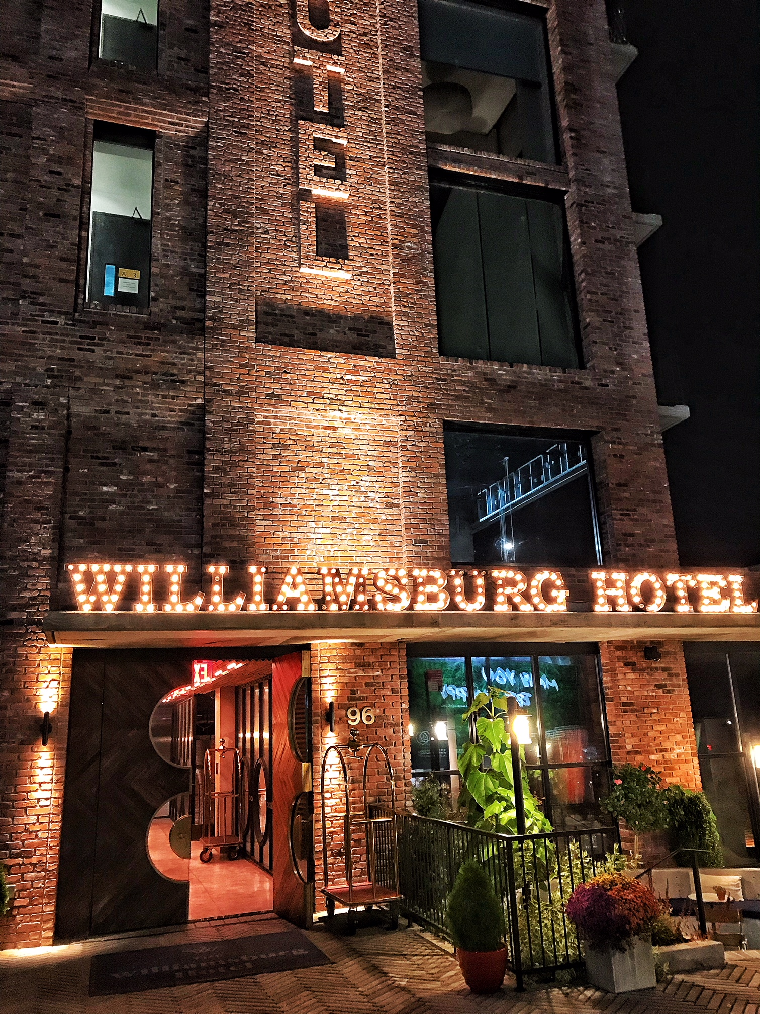 The williamsburg hotel hungry hong kong for Design hotel williamsburg